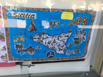 A towel that is the map of Sicilia!